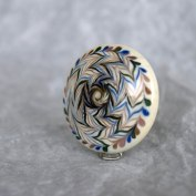 bouclier-perle-de-verre-perlier-dart-lentille-plate-nathalie-crottaz-perle-au-chalumeau